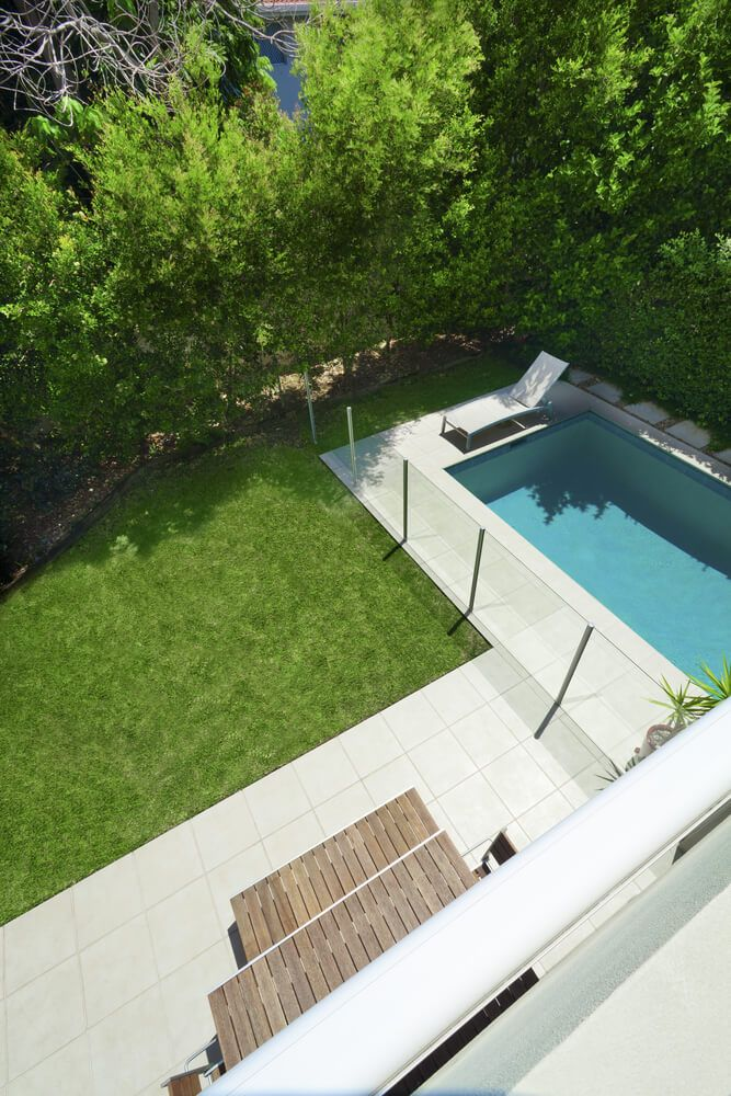 Here S A Great Example Of A Small Pool Design In A Smaller Backyard You Don T Need A Huge Estate Large Backyard Landscaping Swimming Pools Backyard Pool Fence