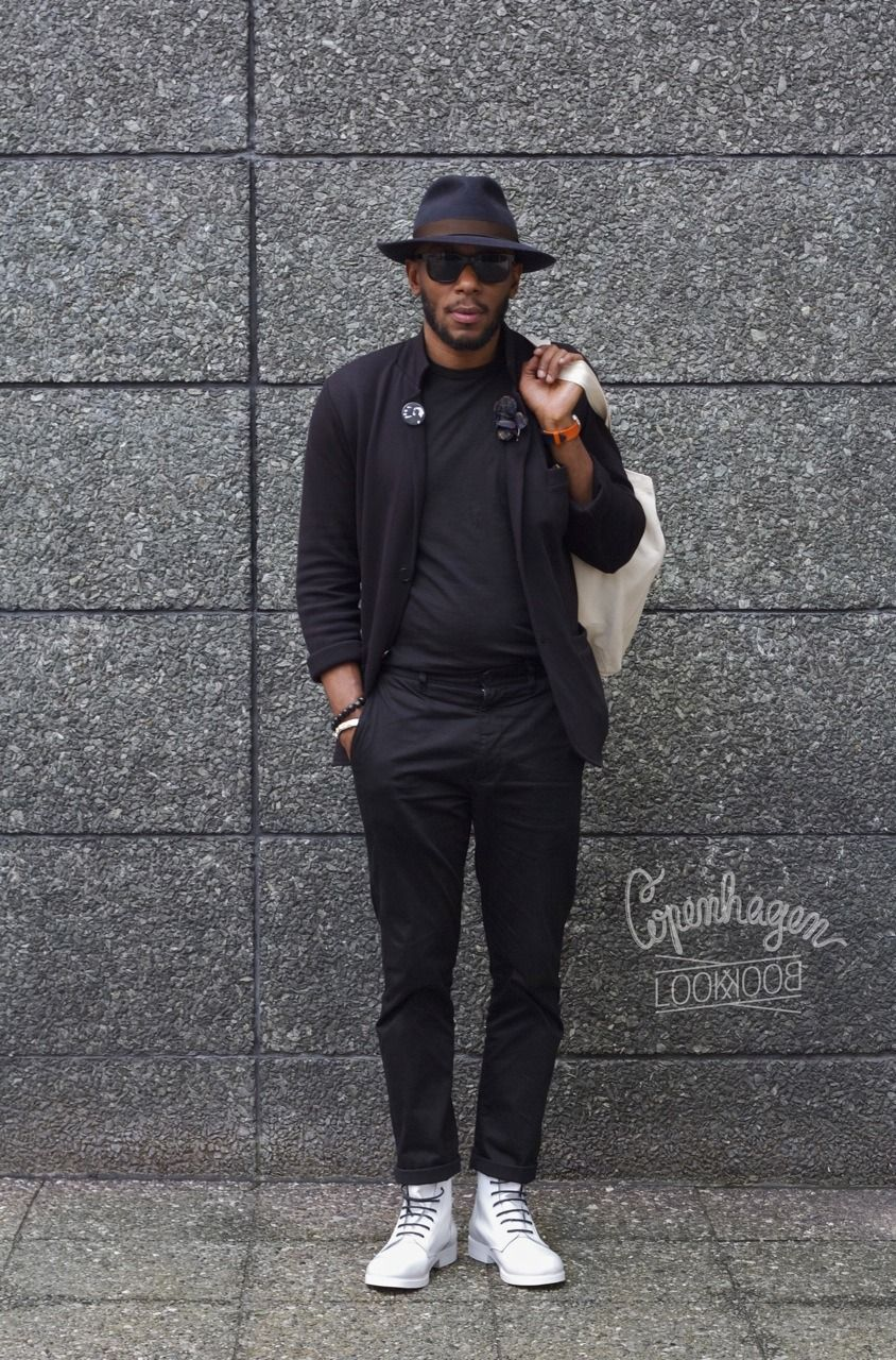 e40a4a98e52 Street wear The Mighty Mos. Nice style all in black. All black hipster look