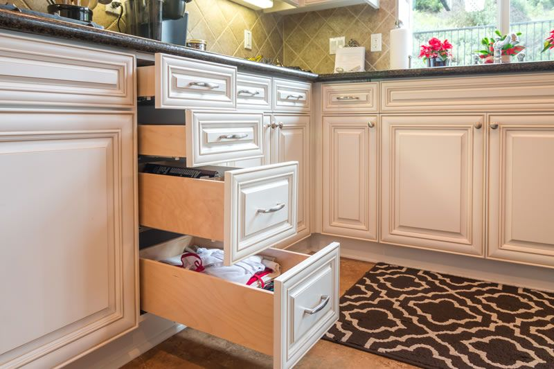 9 Ply Dove Tail Baltic Birch Soft Close Under Mount Drawers Drawers Pull Out Shelves Shelves