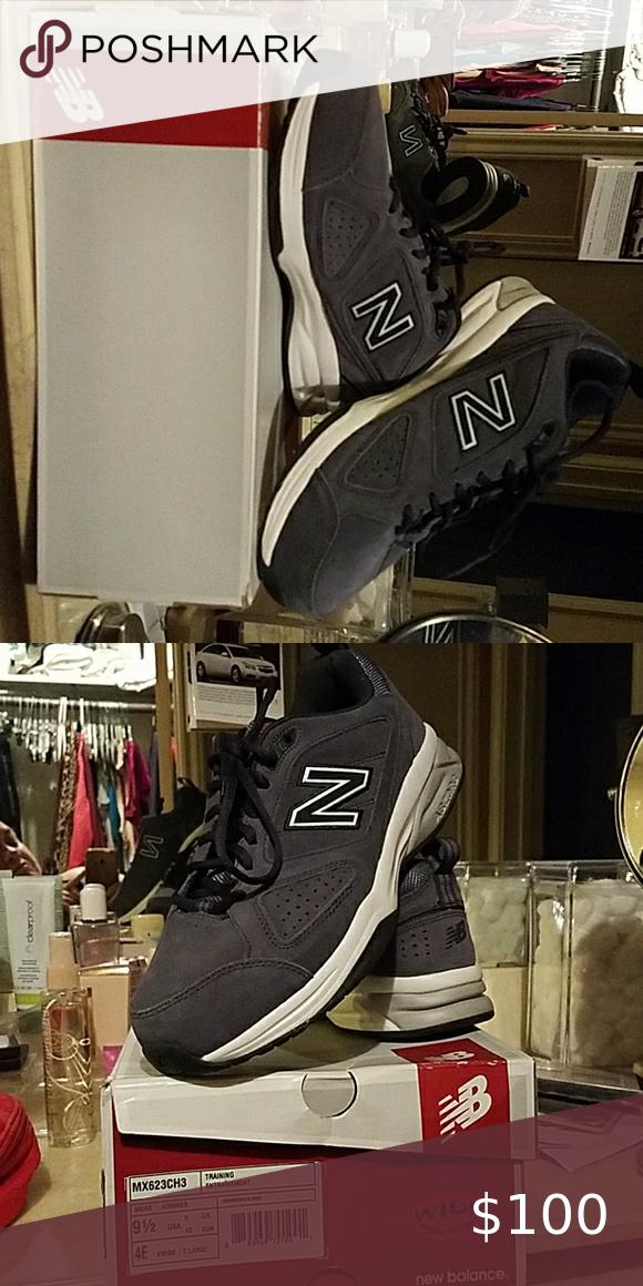 New Balance Tennis Shoes Size 9 1/2 4E