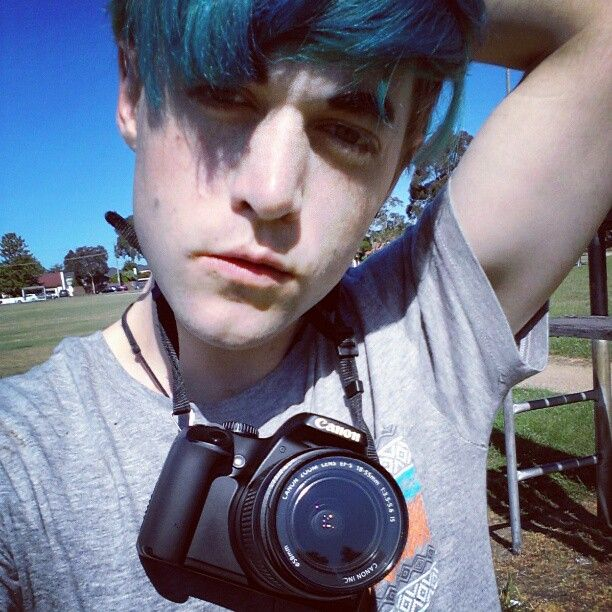 Having a  #photography #adventure at the  #park today!  #photographer #myface #camera #canon #canonissuperior #greenhair #selfiemonday #selfie #kingofselfies #gayfagpeter Having a  #photography #adventure at the  #park today!  #photographer #myface #camera #canon #canonissuperior #greenhair #selfiemonday #selfie #kingofselfies #gayfagpeter