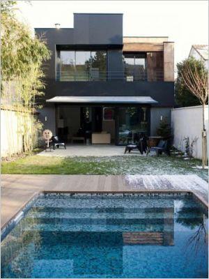 Une maison noire déstructurée Architecture, Nice houses and House