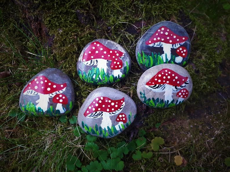 Stone Painted Toadstool Lucky Charm Talismann Gift House Garden Terrace