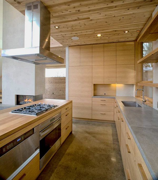 A Sense of Volume And Love For Wood Modern House in Portland