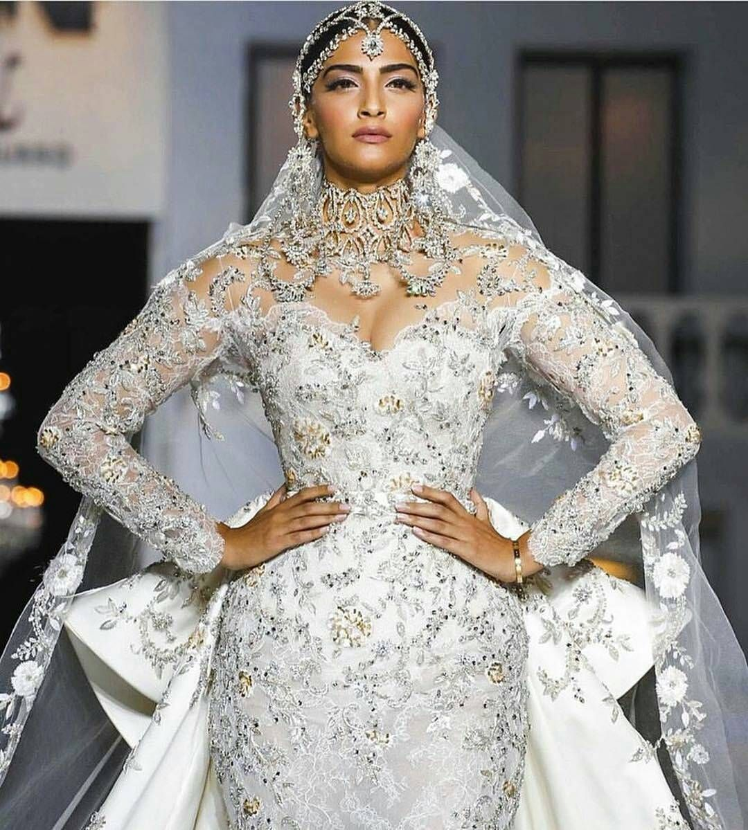 OMG @sonamkapoor walking the ramp for @ralphandrusso in this ...