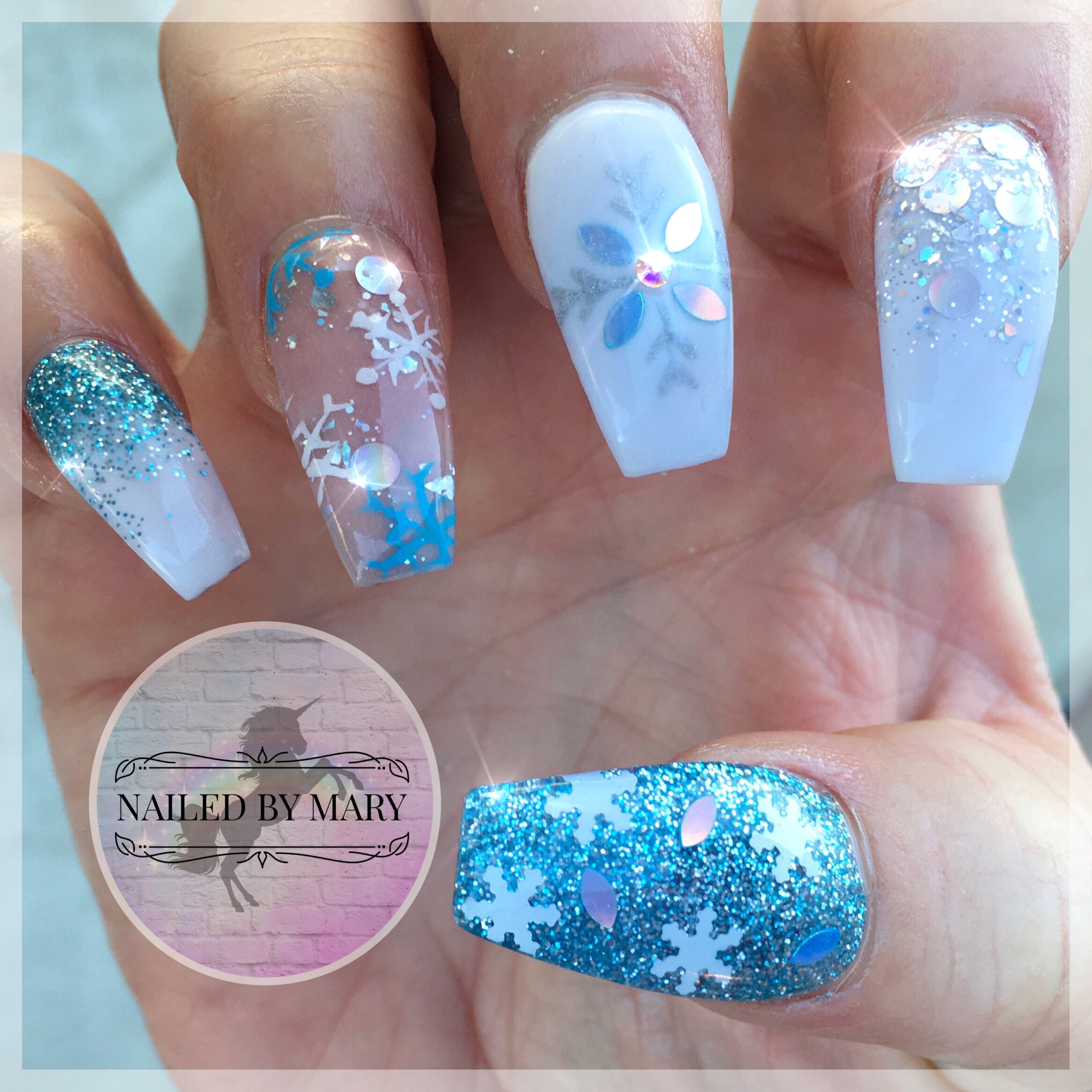 Winter wonderland Christmas blue white snowflakes glitter
