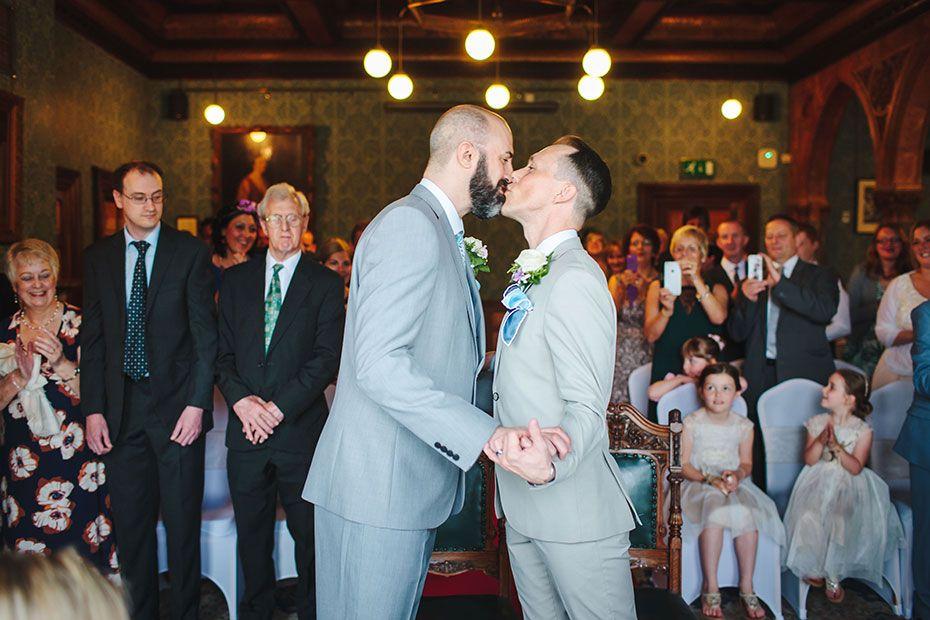 Highbury Hall 31 Wedding Kiss Wedding Photography
