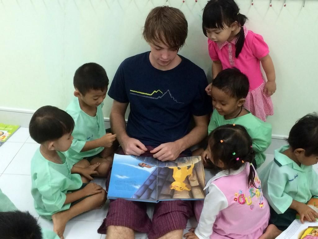 Story time at Pre Kindy classes with #GVIPhangNga volunteer Bradley