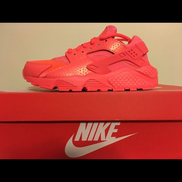 Nike Women's Air Huarache Run PRM Hot Lava Sz 6 Nike Huarache Hot Lava. Size 5.5 also available. 100% authentic Brand New Never Worn. Nike Shoes Athletic Shoes