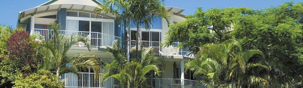 Noosaville- Pool/Garden 4 Bedroom Apartment - Noosa Outrigger Beach ...