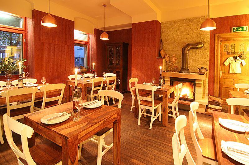 ihr restaurant f r georgiens au ergew hnliche k che und exzellente weine gem tliche stimmung. Black Bedroom Furniture Sets. Home Design Ideas