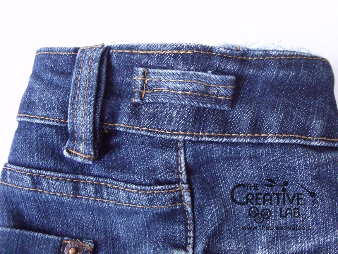 Tutorial riciclare jeans fare borsello tracolla fai da te for Borse fai da te jeans