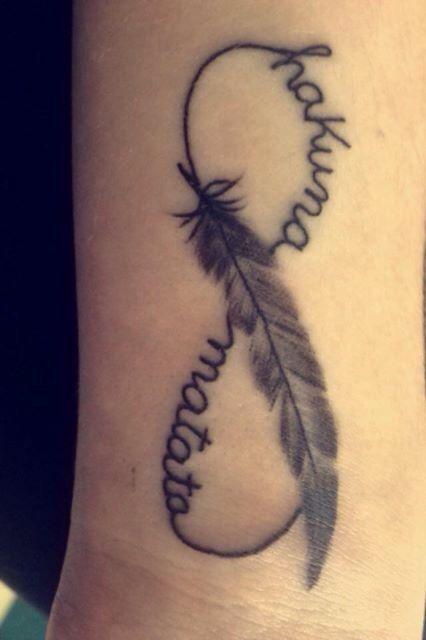 New wrist tattoo infinity sign with the words hakuna matata no worries running through it - Tatouage hakuna matata ...