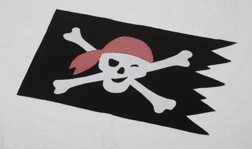 Pirate Flag Pattern (With images)   Flag crafts, Pirate crafts ...