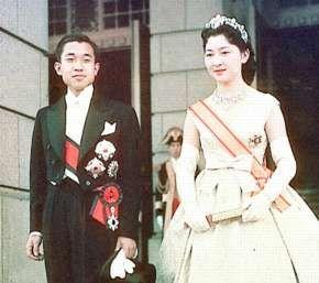 天皇皇后両陛下 / JAPANESE The Emperor and the Empress