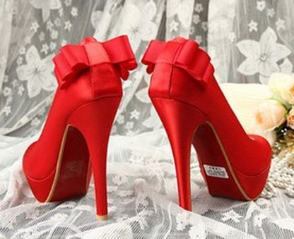 cute red heels w/ back bow | Women's Fashion | Pinterest | Bows ...