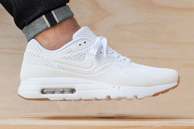 UPDATE: For our readers down under, Hype DC are the exclusive retailer to  cop these White/Gum Ultra Moire Air Max 1s. Available now here. Nike has …
