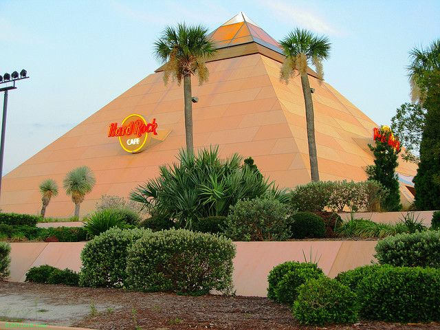 The Myrtle Beach Hard Rock Cafe Is Shaped Like Pyramid And A Draw For Visitors To The Grand Strand Not Har Myrtle Beach Hard Rock Cafe Myrtle Beach Vacation