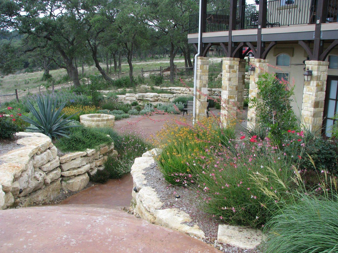Texas hill country xeriscaping hill country landscape for Country garden design ideas