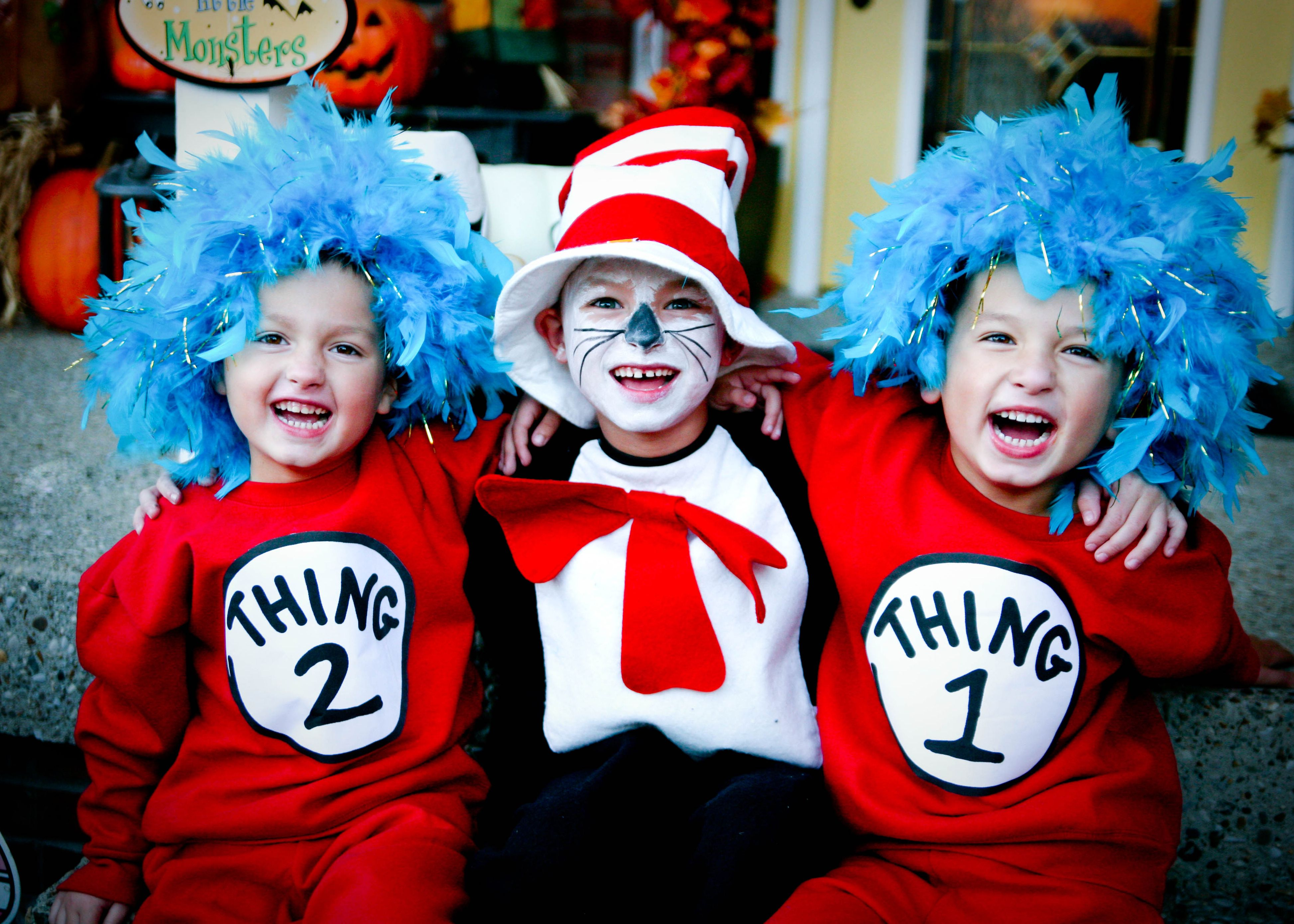 Diy Cat In The Hat Theme Costumes Thing One And Thing Two 1 Amp 2 Dr Suess Simple Easy To