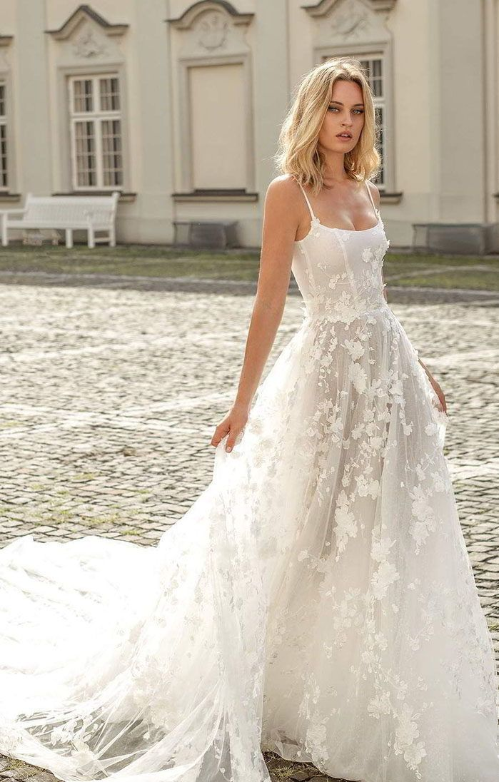 The Wedding Dresses That Pinterest Is Loving Right Now