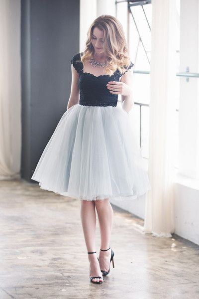 Desperately want a long fluffy tulle skirt the wendy for Fluffy skirt under wedding dress