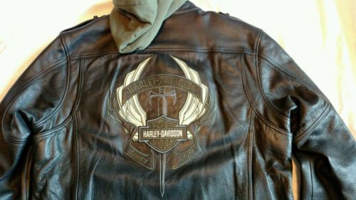Rare Harley Davidson mens XL leather jacket inner hoodie biker dagger wings cool https://t.co/78e2TqgZ44 https://t.co/ftDyyJcLV7