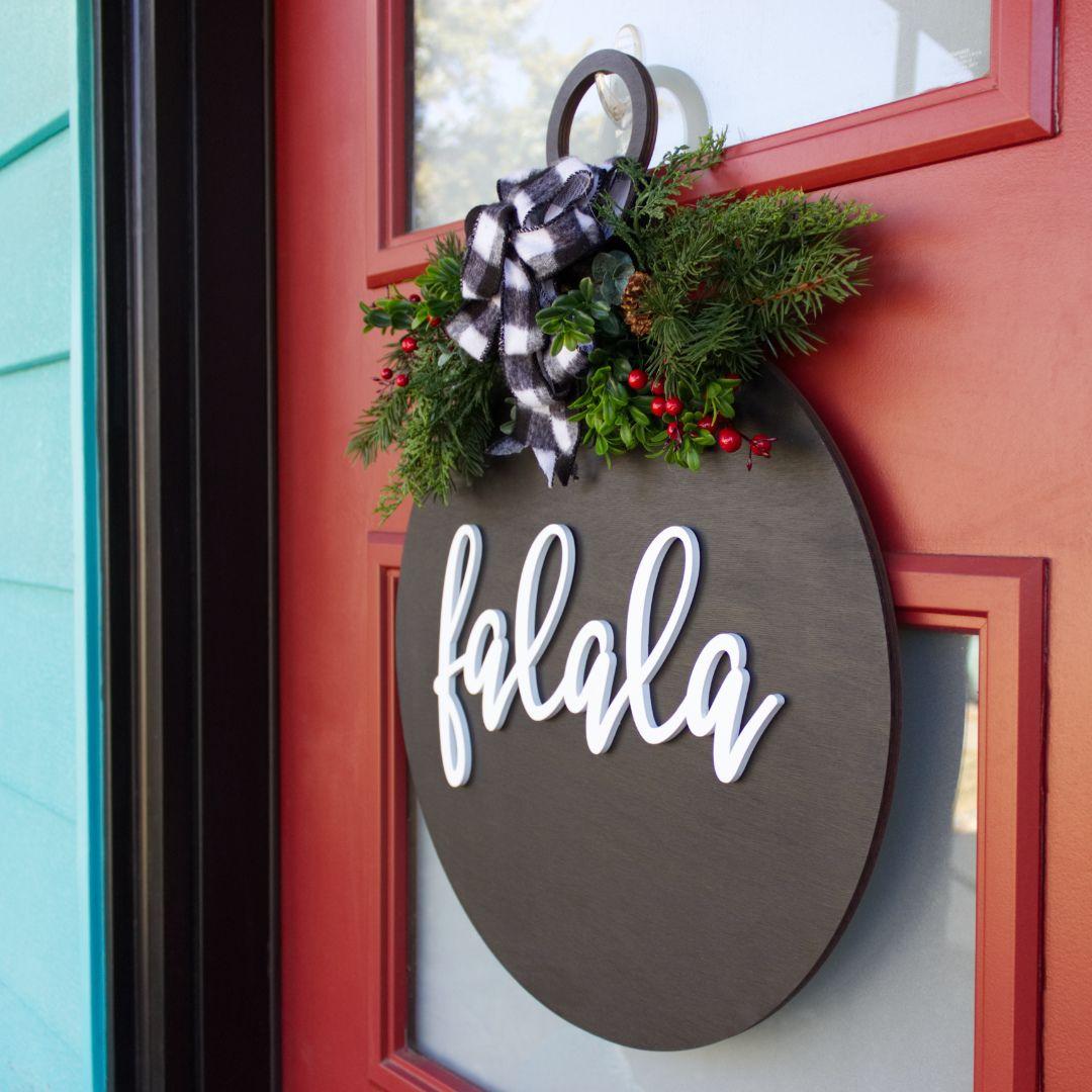 Diy holiday door hanger holiday crafts holiday wreaths