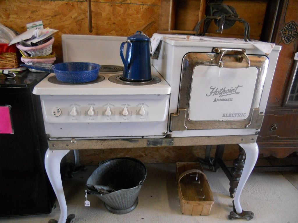 Poele Vintage Hot Point Electric Stove Antique In Caraways Treasures