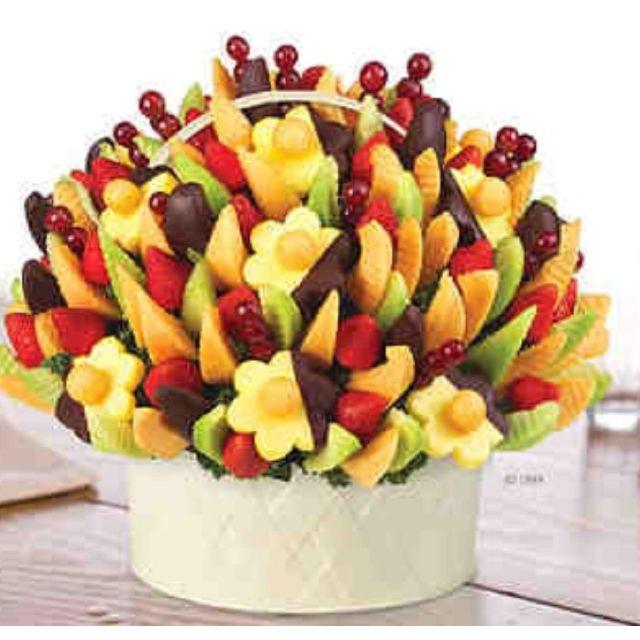 Edible arrangements!!! YUMMY