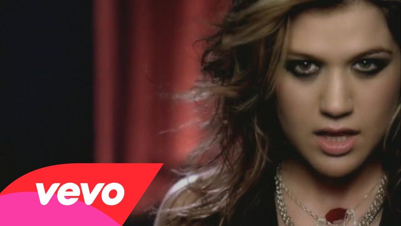 Kelly Clarkson Since U Been Gone 2004 With Images Kelly Clarkson Graduation Songs Music Videos