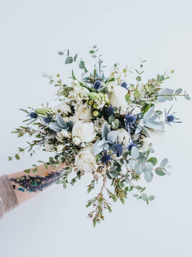 Straußrezept: Ein Brautstrauß mit Blau als Treuesymbol
