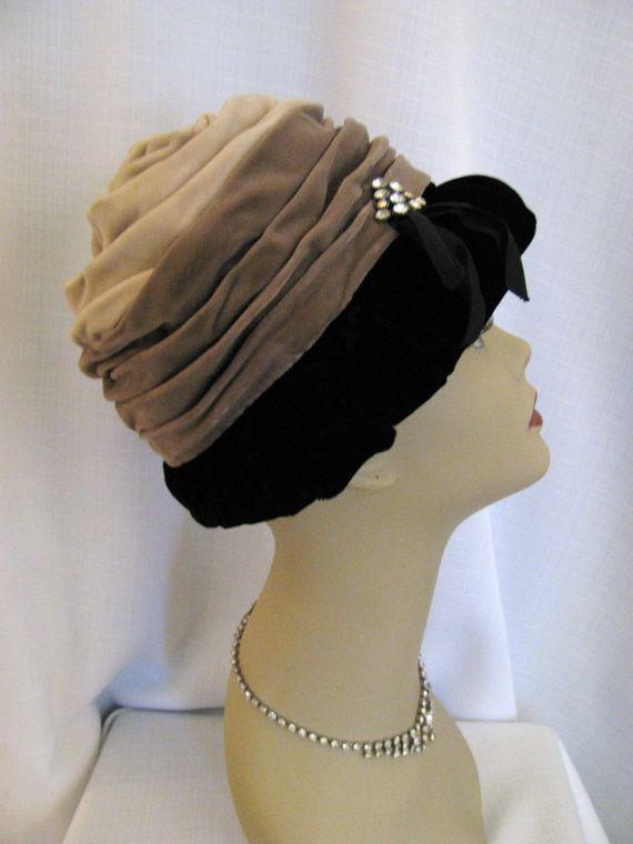 SALE Vintage Evelyn Varon Exclusive Velvet by jwvintagecloset ... a6abc850271