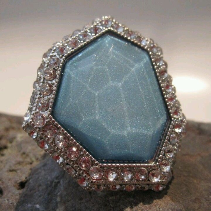 Geométric bliss ring in soft blue