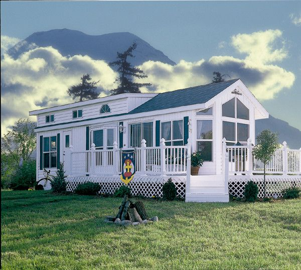 Trailer Homes: Trailer House--this Would Be Super Cute As A Lake House