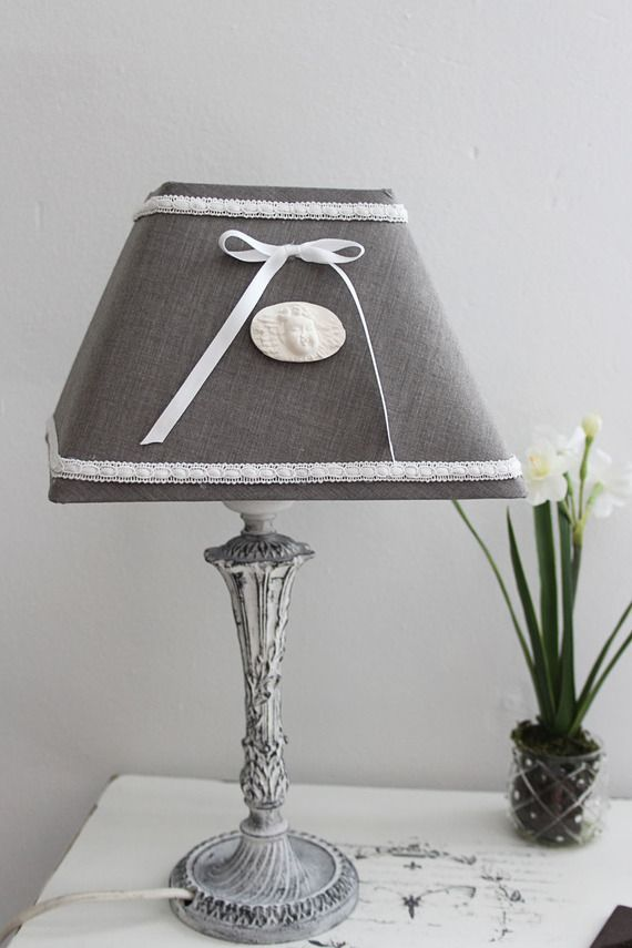 Lampe de chevet romantique shabby pied en bronze et