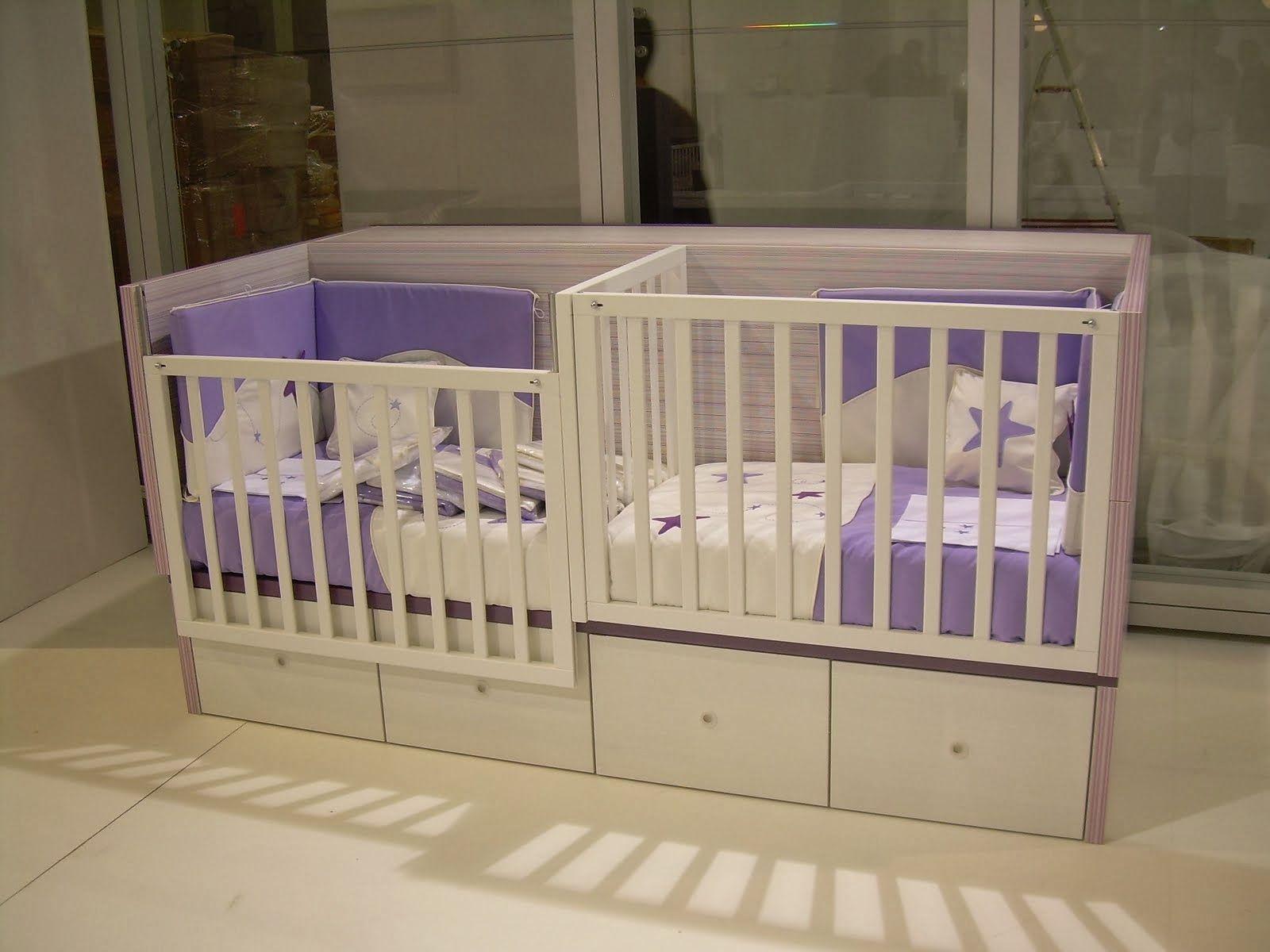 babykamers | Twin baby beds, Twin babies nursery, Nursery ...