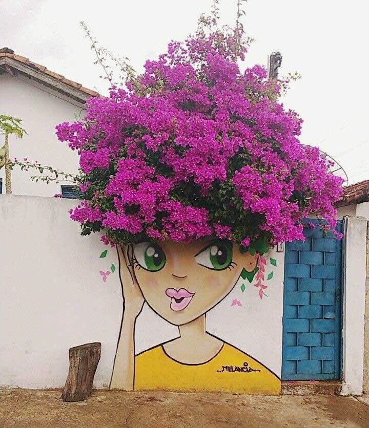 Pintura ou Pichação!!! Francisca de Lourdes Louro!!!