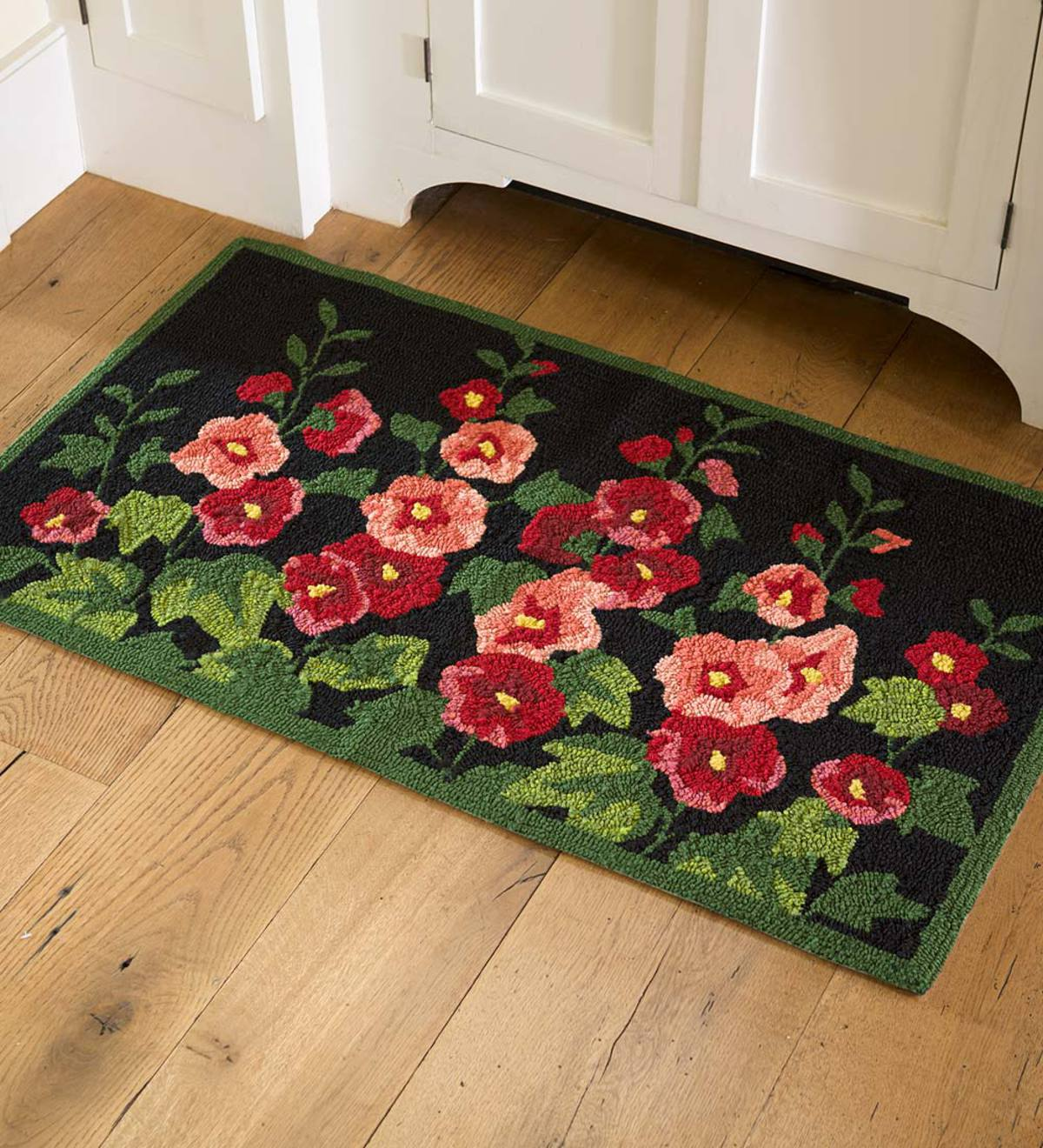 Indoor/Outdoor Hollyhock Hooked Accent Rug Accent rugs