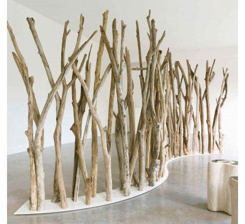 Cloison de s paration en troncs d 39 arbres maison pinterest paravent tronc et s paration - Branche arbre decoration ...