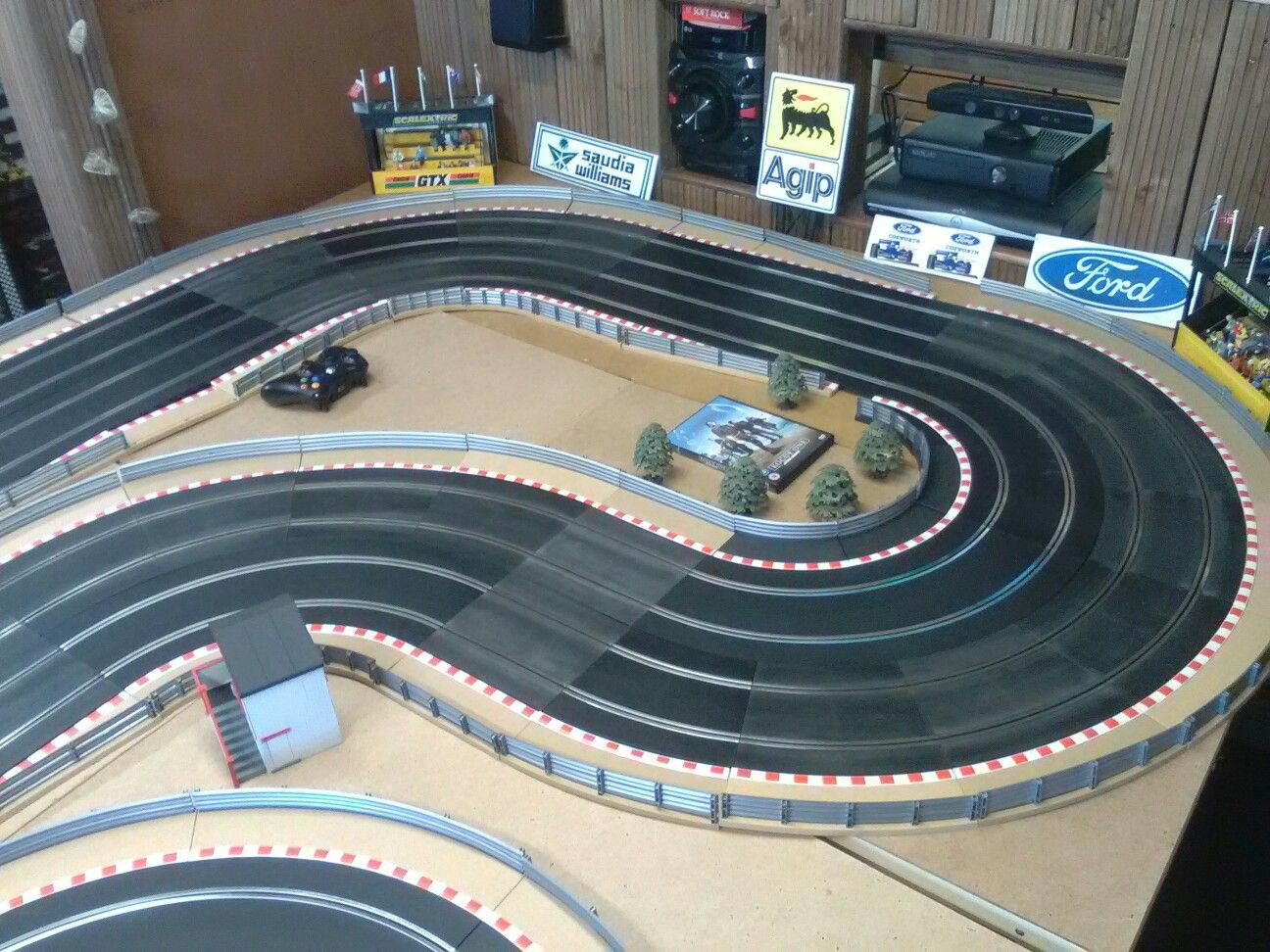 Pin By Will Sellers On Slot Car Dreams Slot Cars Cars Ford