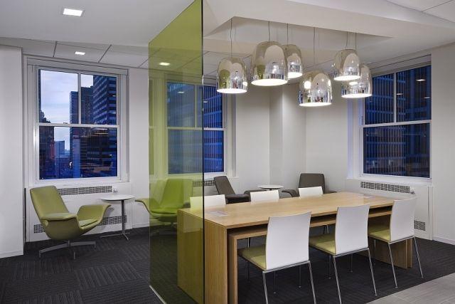 GroBartig Bunte Glas Trennwände Von 3form Zeigen Spielerischen Charme #hunterdouglas  #interior #offices #
