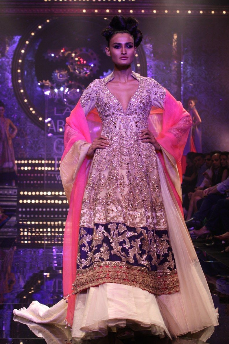 Bonito Manish Malhotra Trajes De Novia Regalo - Ideas de Vestidos de ...