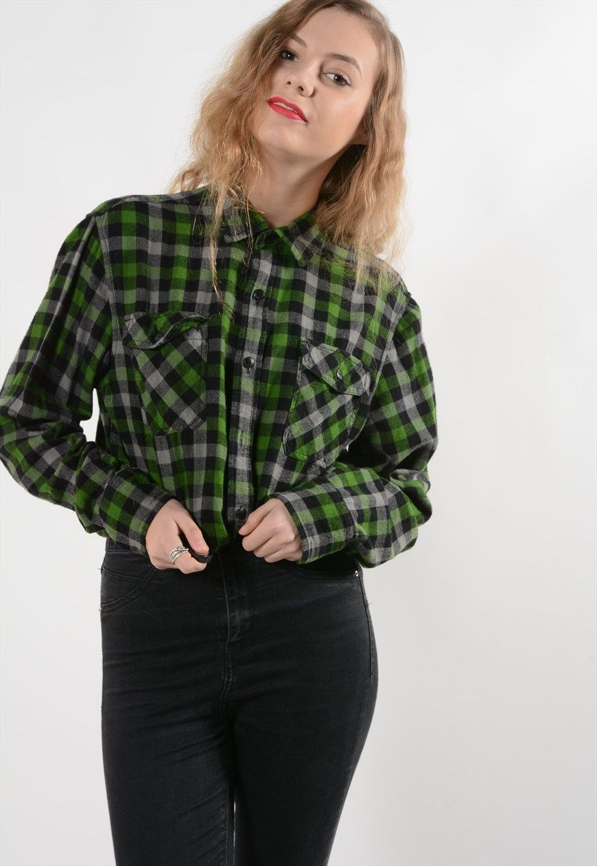 Flannel shirt men outfit  Green Check flannel shirt  front pockets button up Size M