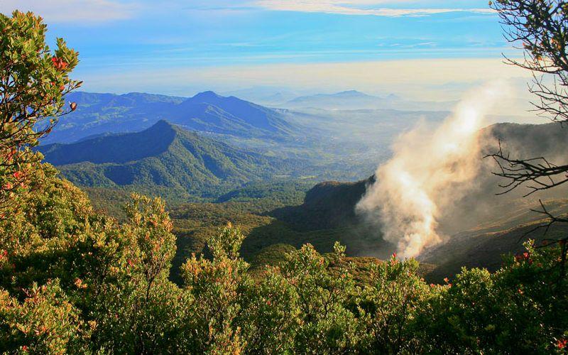 السياحة في بونشاك اهم 13 من الاماكن السياحية في بونشاك اندونيسيا مسافر عربي Tourism Natural Landmarks Nature