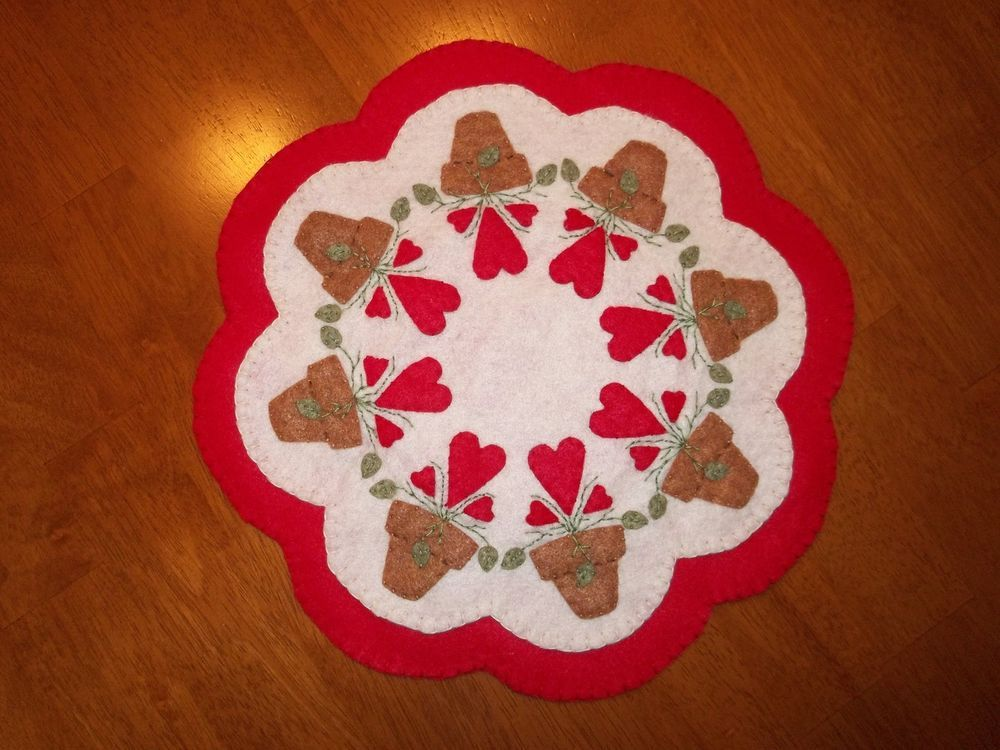 "Primitive Country  ""Pots of Hearts"" Candle Mat w/free shipping!"