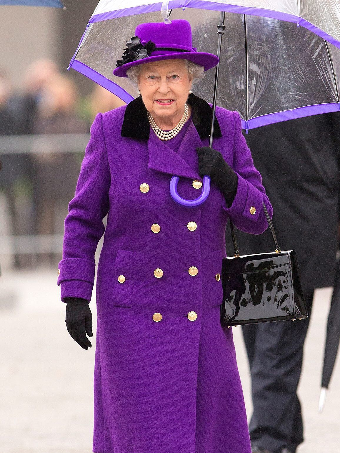 How Queen Elizabeth S Spectrum Of Rainbow Of Coat Dresses Acts Like A Mood Ring Orange Midi Dress Purple Outfits Rainbow Fashion [ 1539 x 1156 Pixel ]