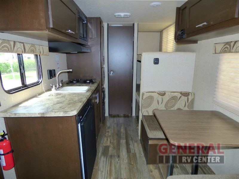 Enter The Great Outdoors With The Cozy Used 2016 Forest River Rv