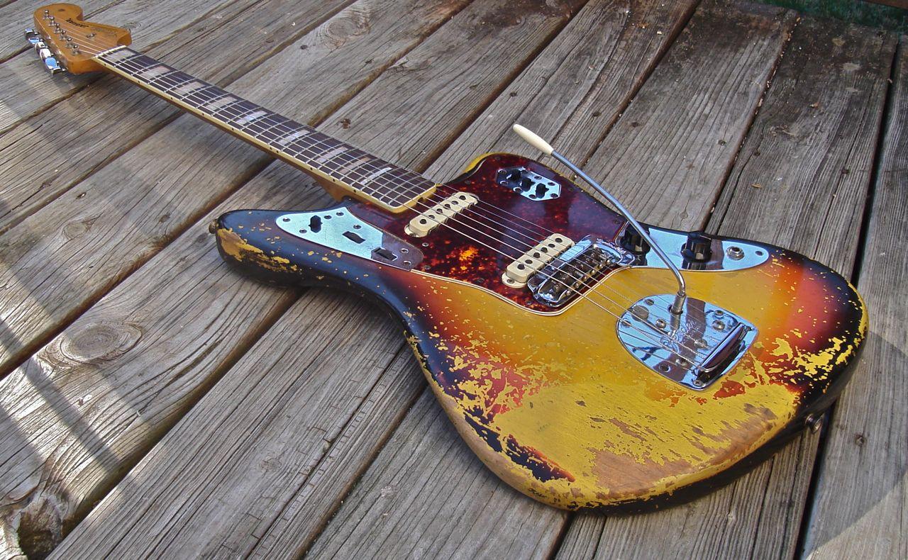Subway guitars