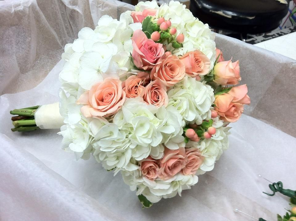 Garden Rose And Hydrangea Bouquet Peach And Hydrangea Bride